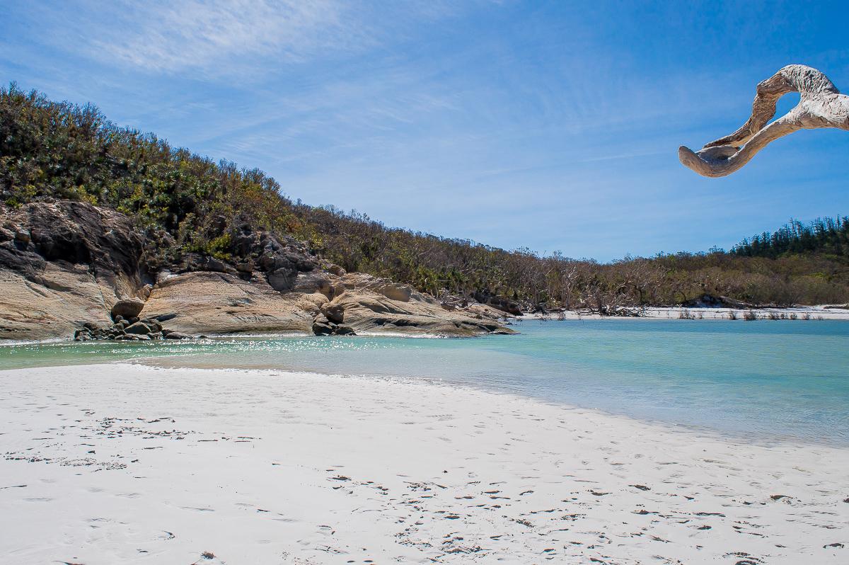 rochers sur la plage de whiteheaven