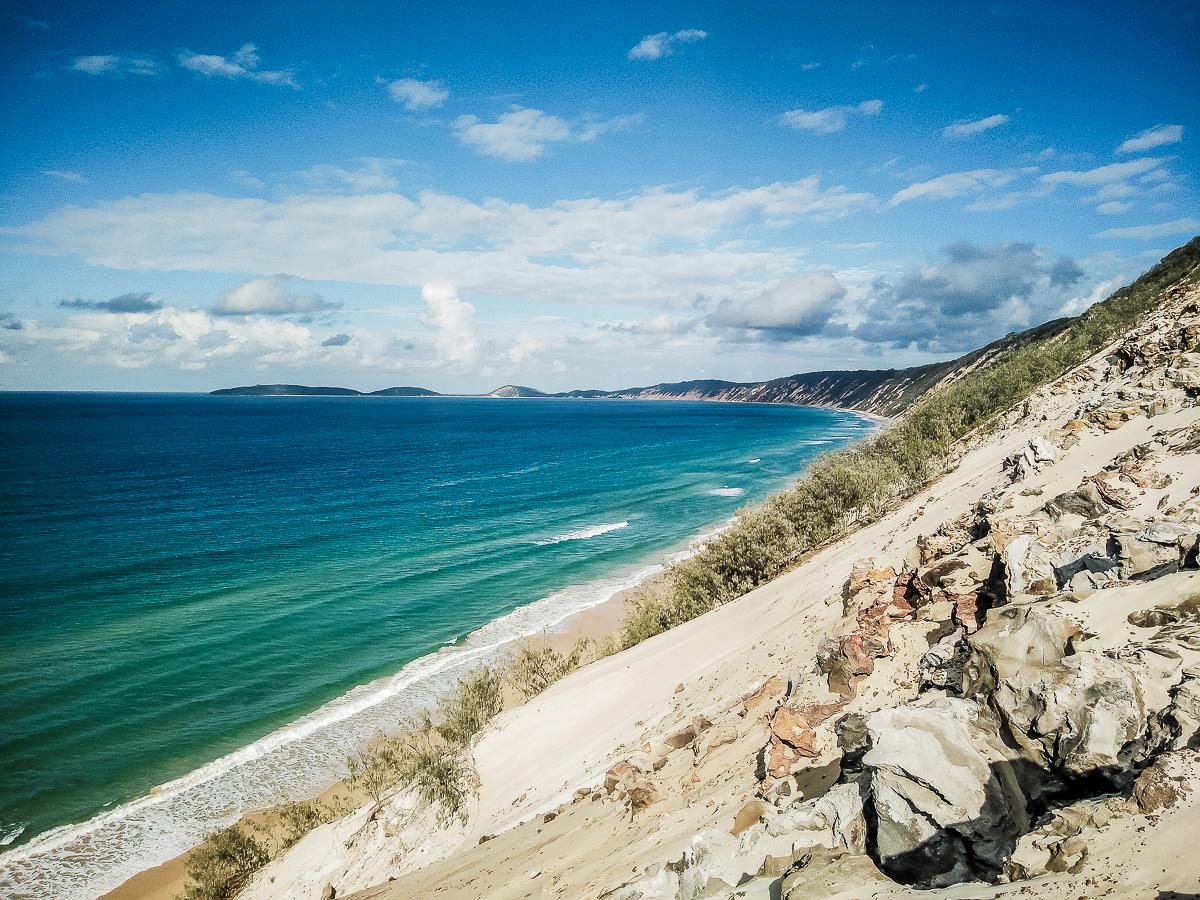 vue sur la four mile beach depuis la dune carlo sandblow