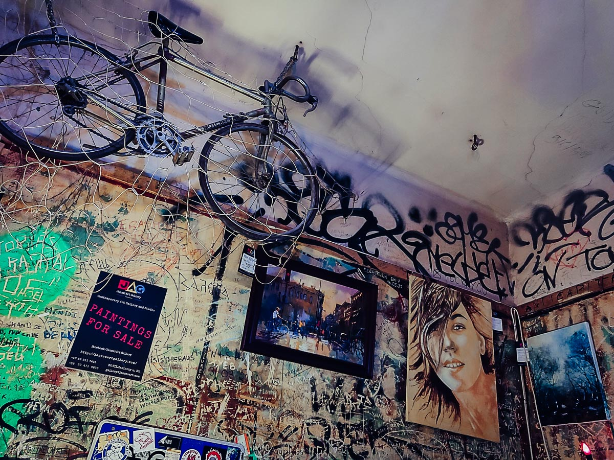 vélo suspendu au szimpla kert