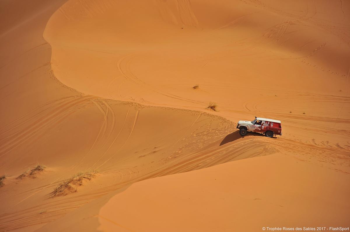 4WD dans les dunes du maroc