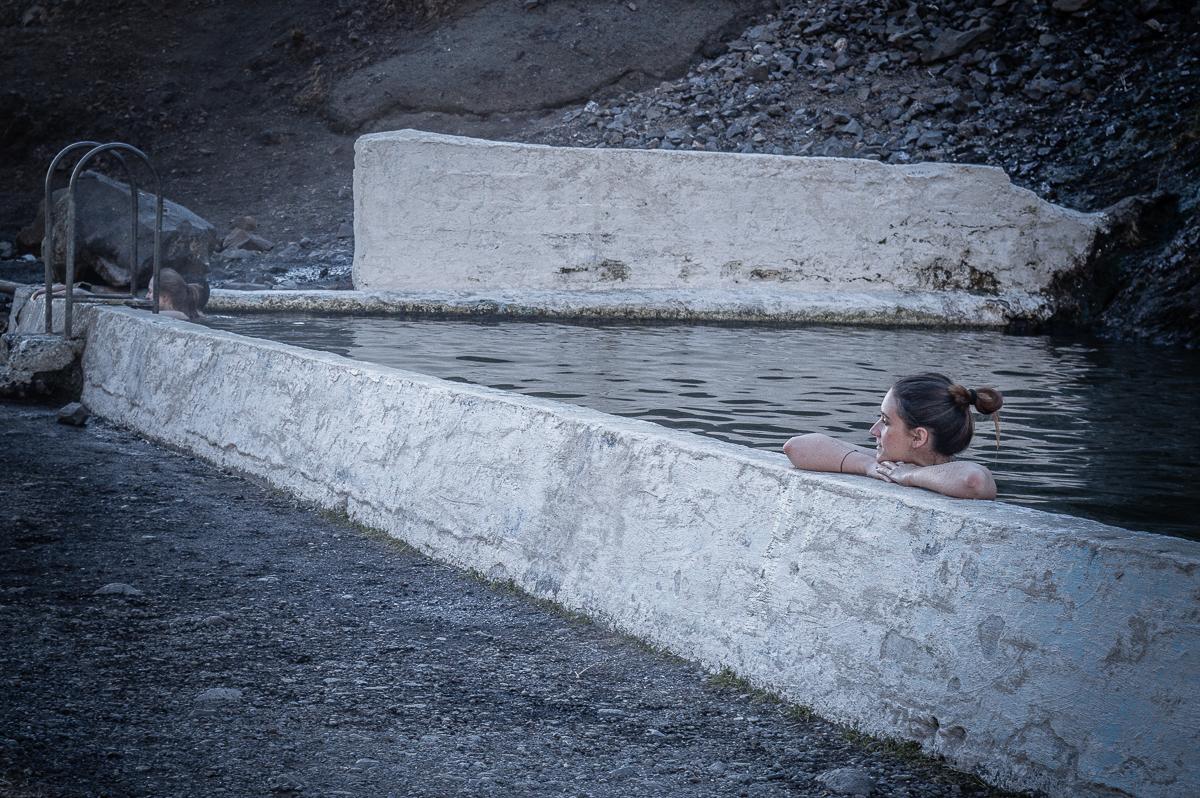 baignade dans la source de seljavallalaug