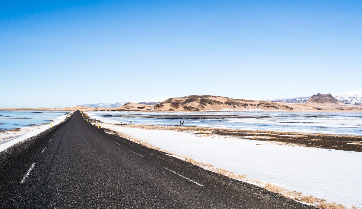 route gelée vers Dirholaey