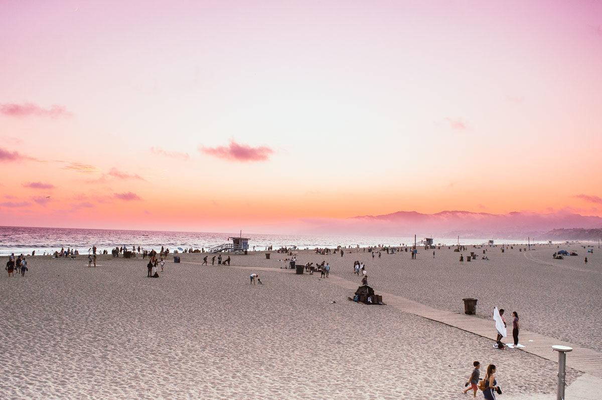 santa Monica pier au coucher du soleil