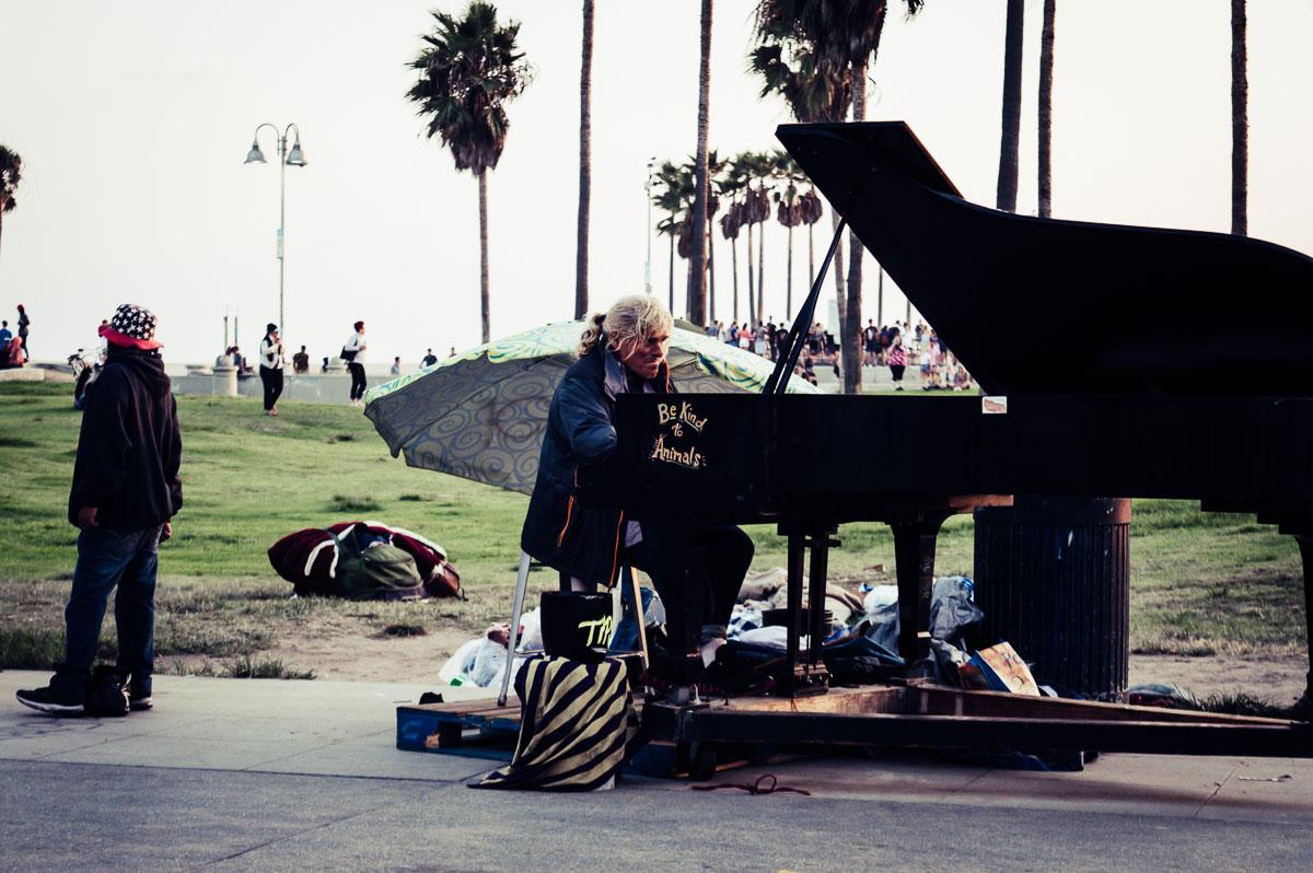 pianiste à Venice Beach
