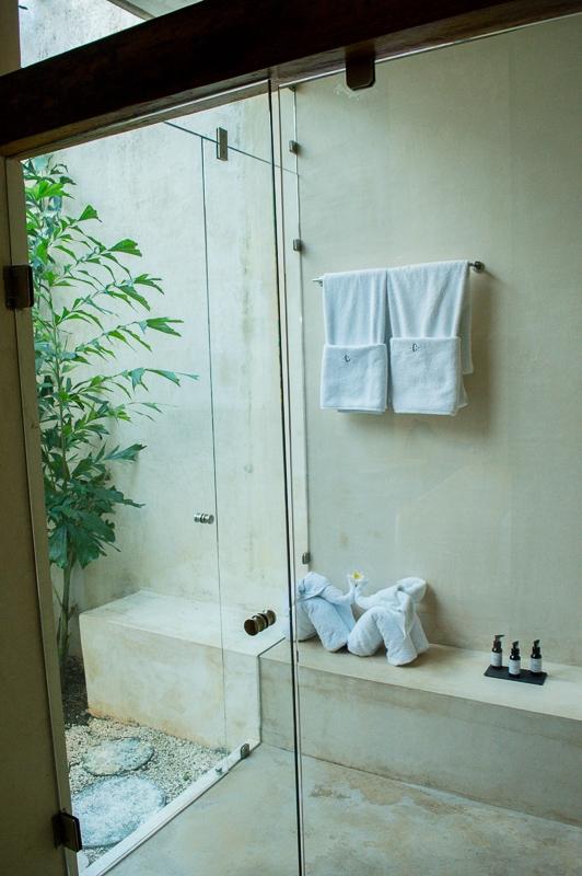 salle de bain au colonte boutique hotel