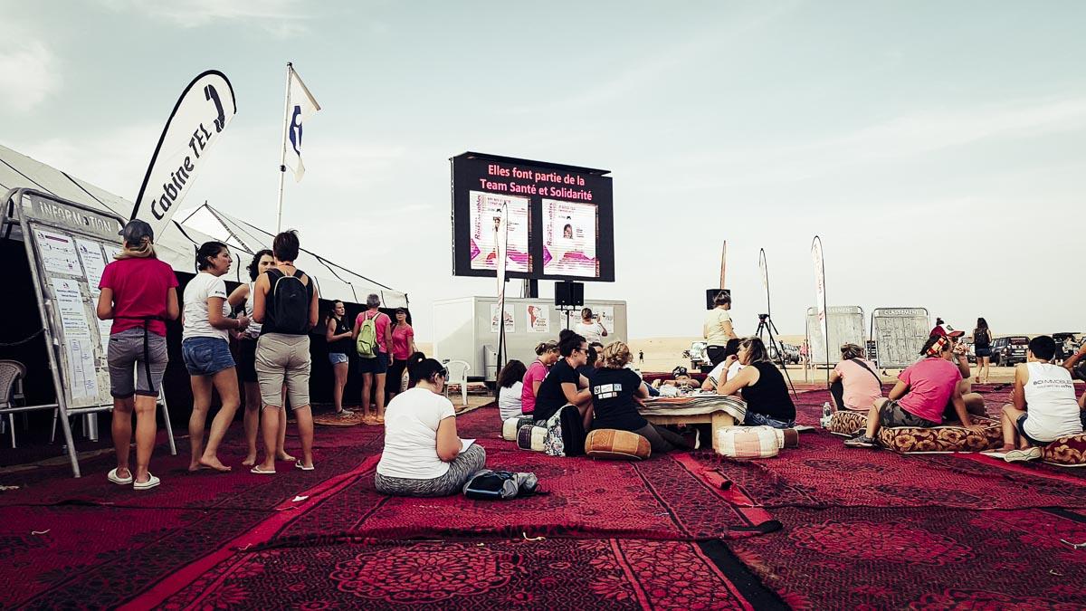 soirée sur le bivouac du trophée roses des sables