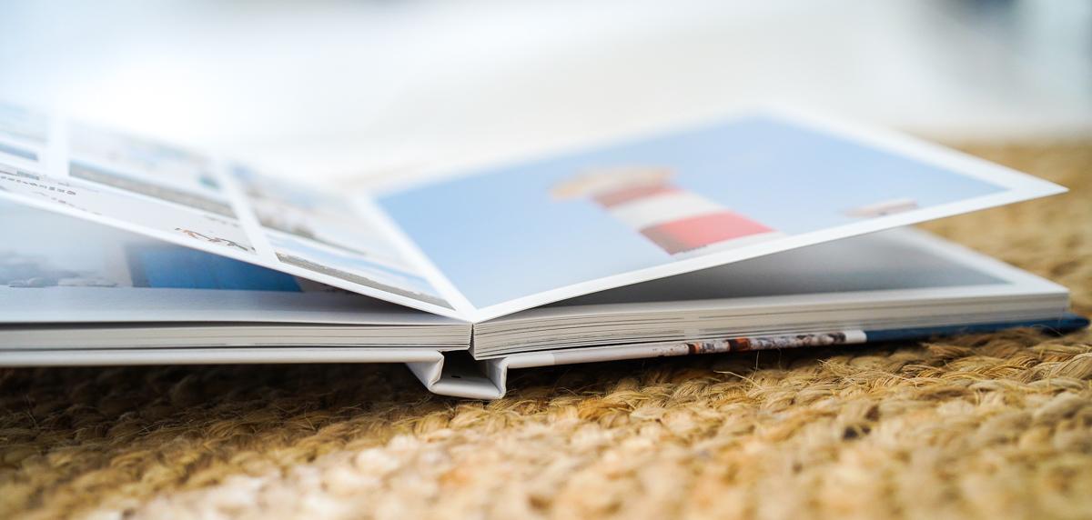 ouverture à plat du livre photo Saal digital