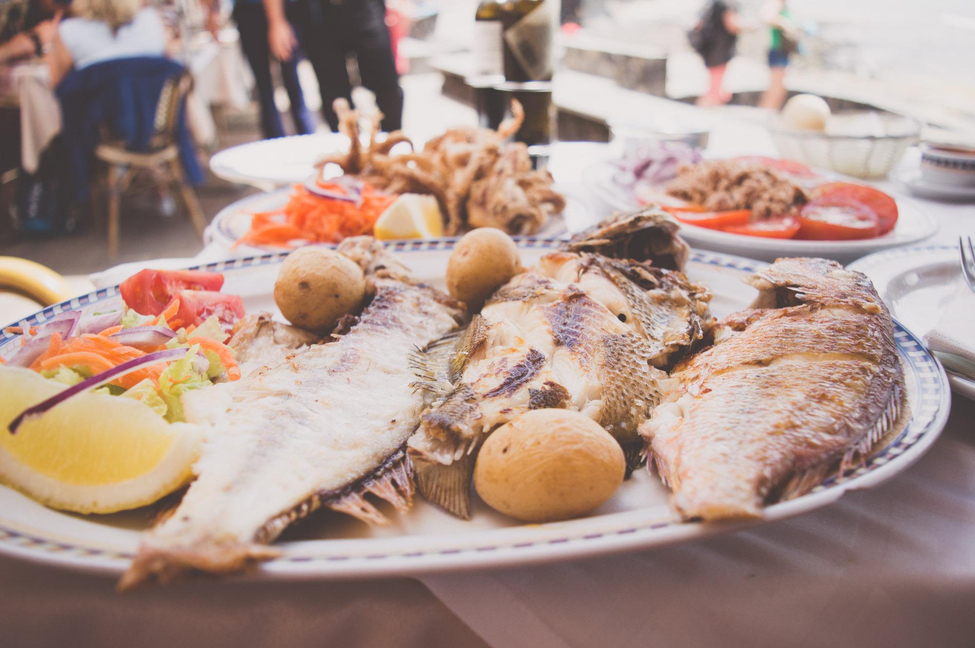 poissons grillés en parillada