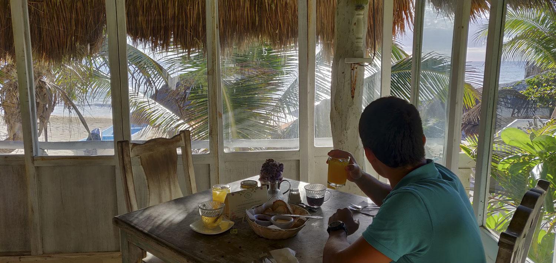 petit déjeuner à l'hotel Punta Piedra beach tulum
