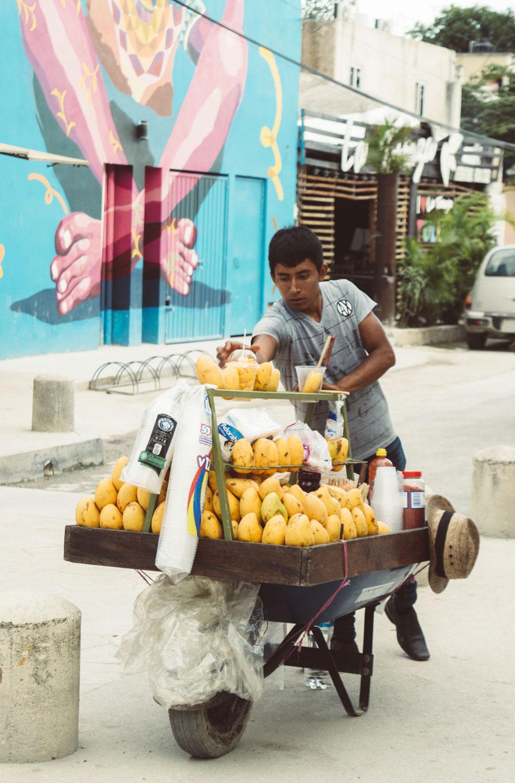 vendeur de mangues à tulum