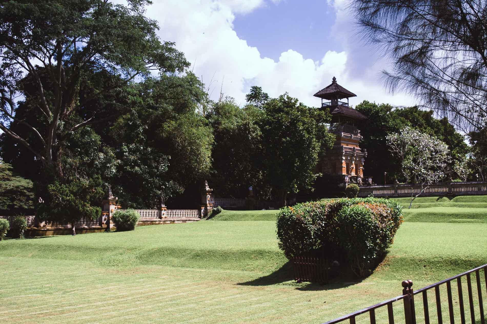 jardin du temple de taman ayun
