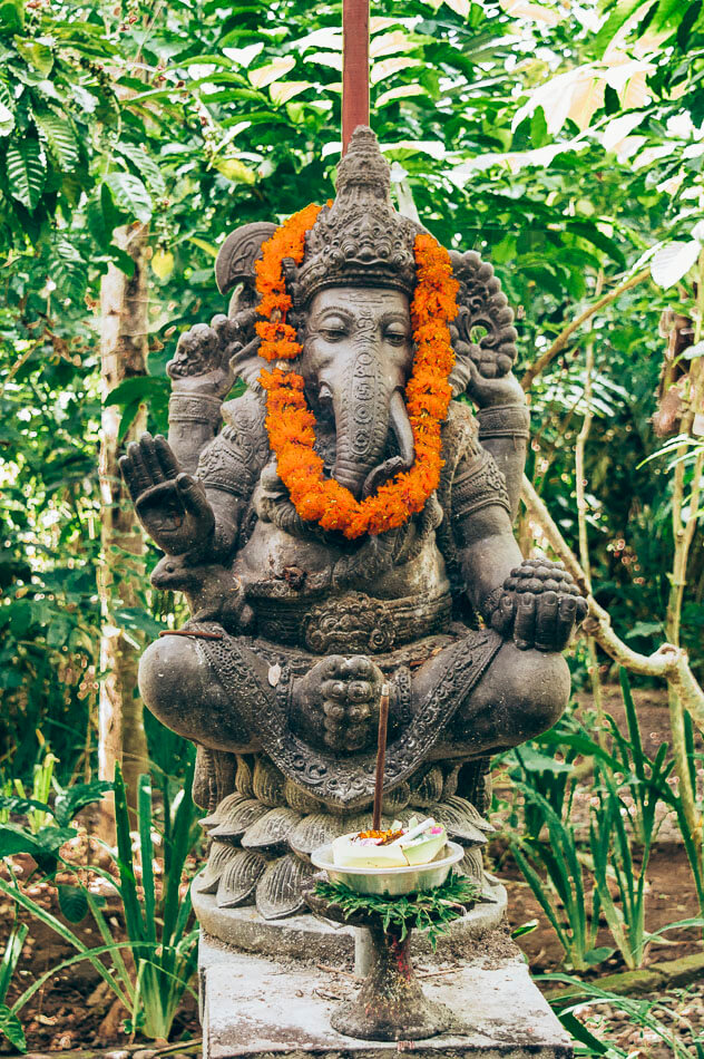 statue d'éléphant balinais