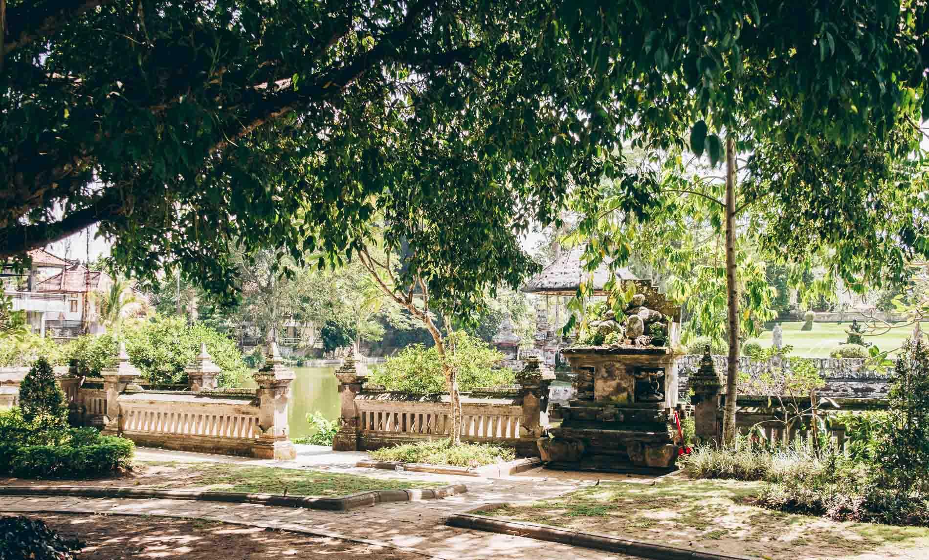 entrée du temple Taman Ayun dans la partie centrale de Bali
